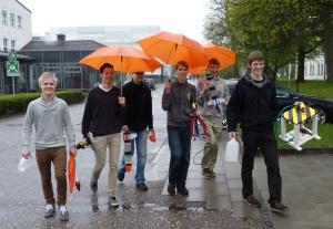 Valtteri ja muita München nyt -matkalle osallistuneita nuoria
